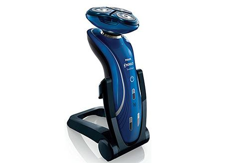 Philips Norelco 6100 electric shaver